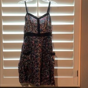 Lauren Conrad dress with flowers and pockets!